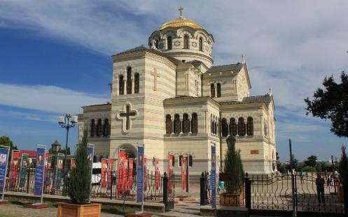 В Севастополе изо всех щелей прет украинское дерьмо