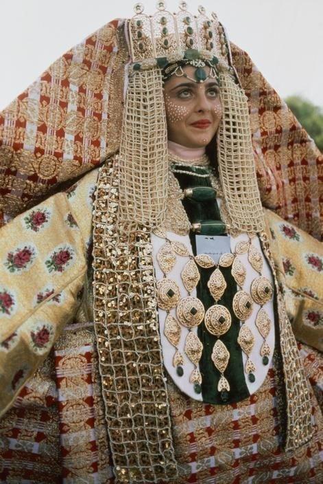 10 невероятных свадебных нарядов