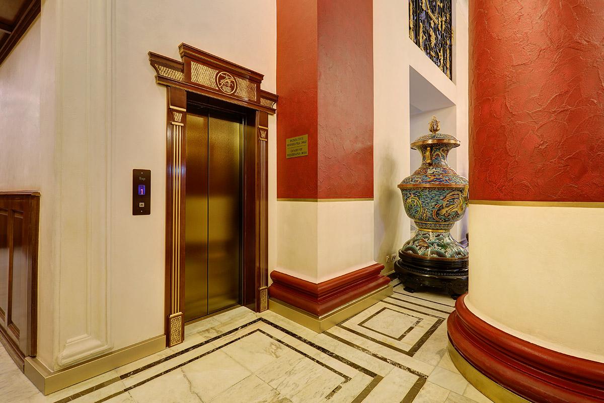В отеле «Пекин» установлено новое лифтовое оборудование