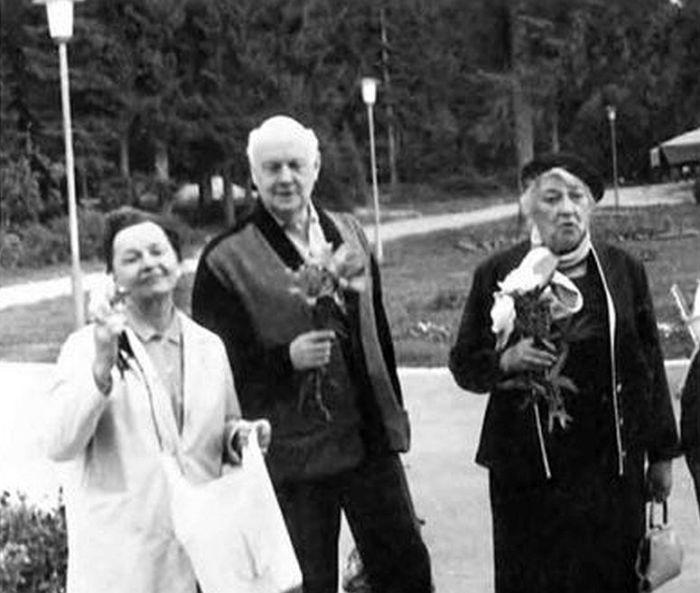 Санаторий им. Герцена. Вера Марецкая, Юрий Завадский и Фаина Раневская. / Фото: www.e-reading.life