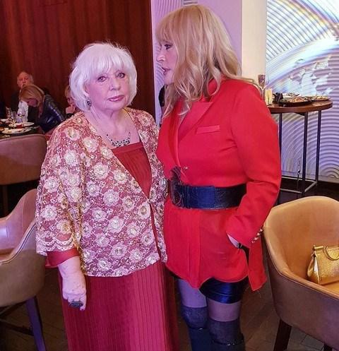 68-летняя Пугачева произвела фурор своим образом на дне рождения подруги