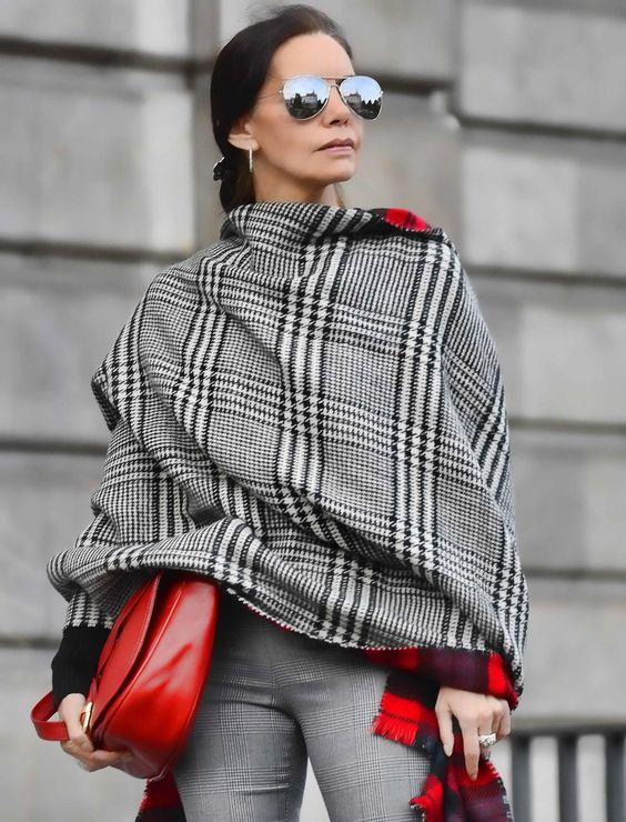 Модный гардероб для холодов женщины средних лет