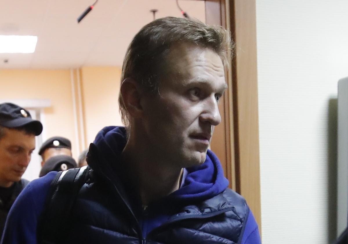 Что в России делают с Навальным.