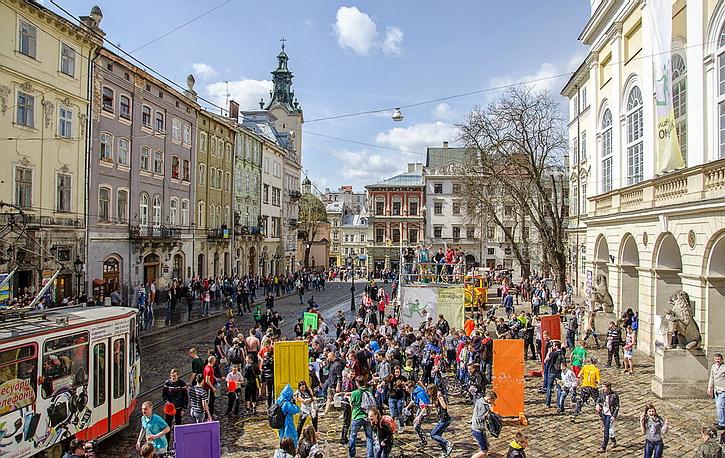 Во Львове не рады польским туристам: Еду везут свою, покупают только горилку