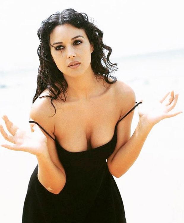 """Моника Беллуччи:""""Красота жива и интересна, когда скрыта под одеждой"""""""