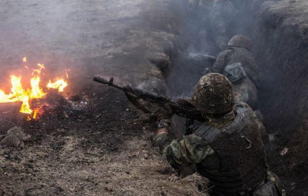 Украина продолжает деструктив в Минске, ситуация на фронте обостряется