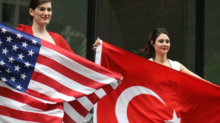США пригрозили Турции введен…