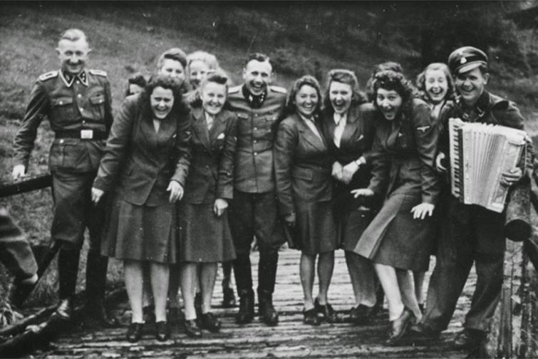 Сотрудники Освенцима на отдыхе история, люди, редкие, фото