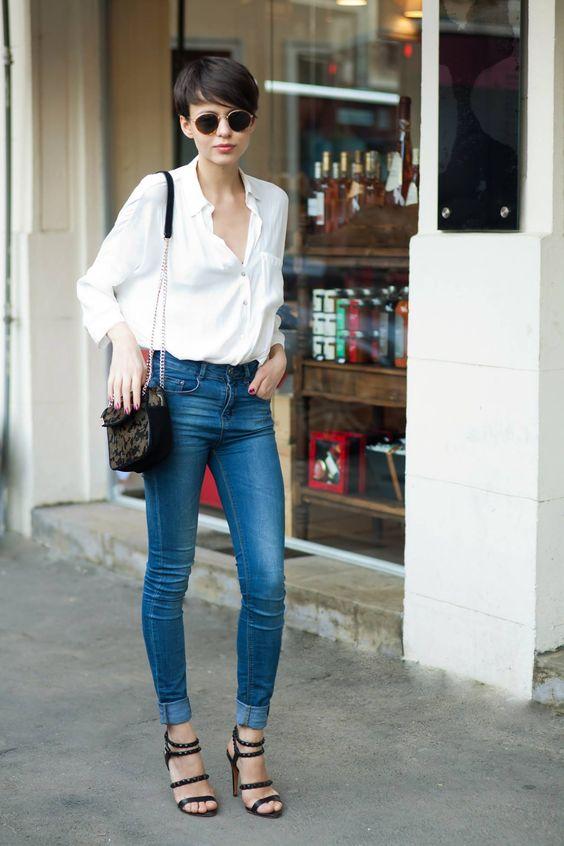 С чем носить джинсы с высокой посадкой: 6 стильных вариантов