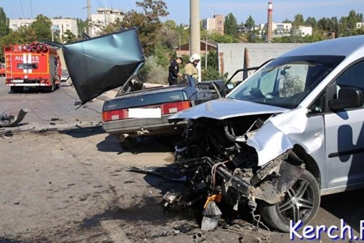 В Керчи столкнулись четыре машины