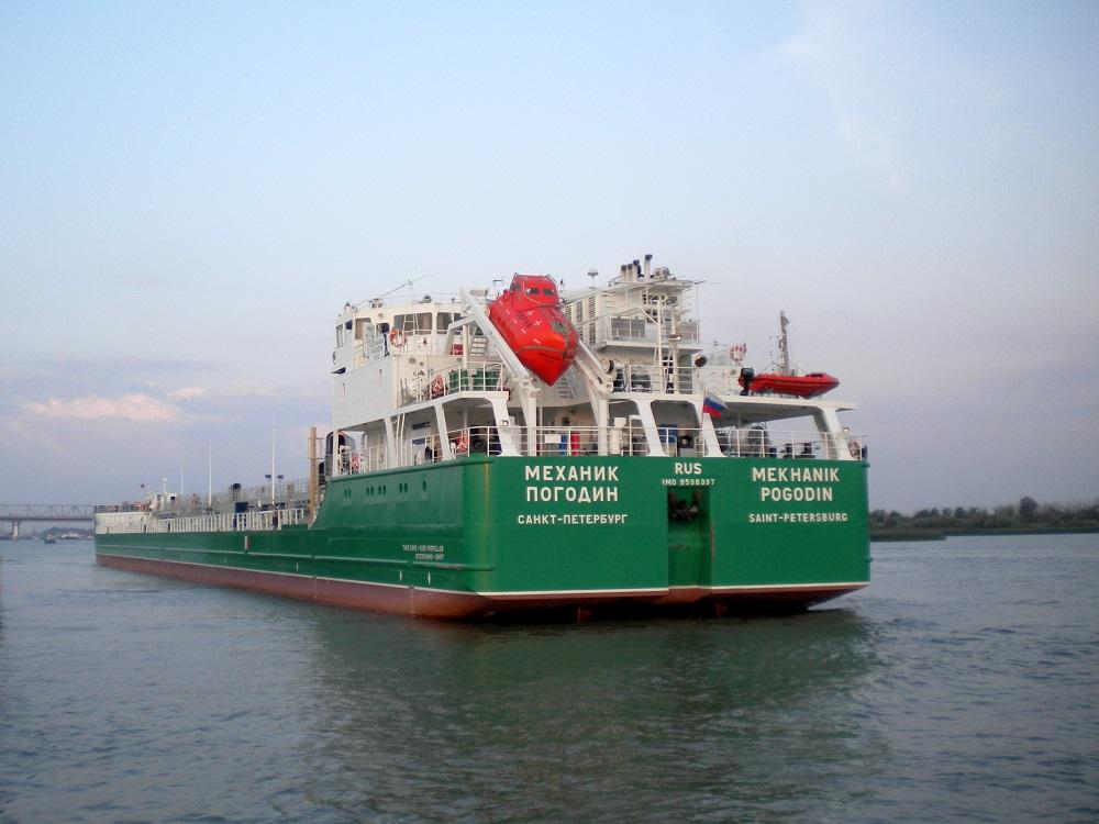 Экипаж российского судна пре…