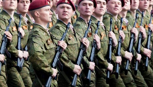 На Красной площади началась генеральная репетиция Парада Победы (ВИДЕО)