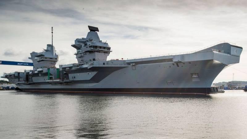 Новый британский авианосец готовится к плаванию… под присмотром ВМФ РФ