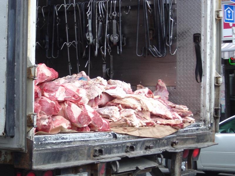 РФ запрещает ввоз свинины из Белоруссии