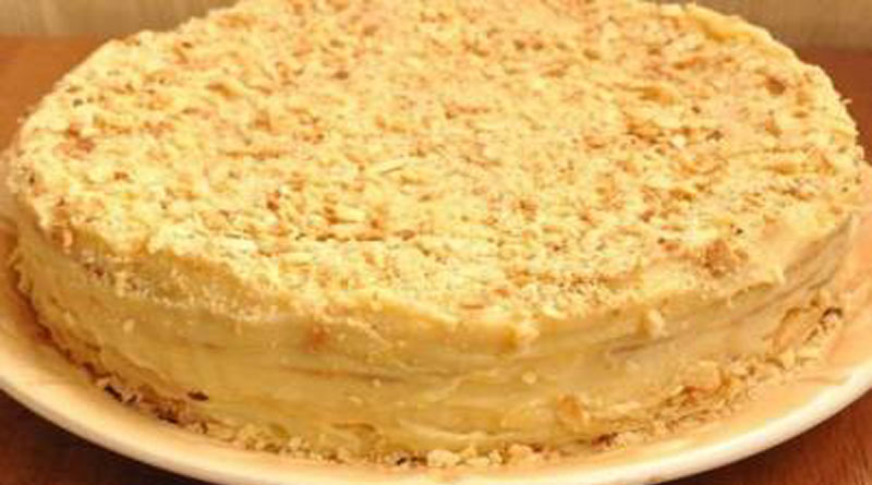 Домашний торт «Наполеон» с заварным кремом.