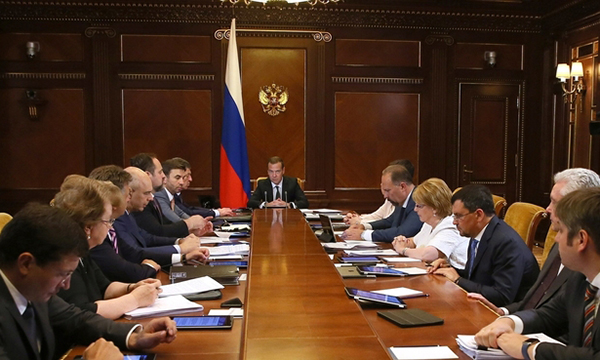 В проекте бюджета на 2018 год сохраняются все соцобязательства - Медведев