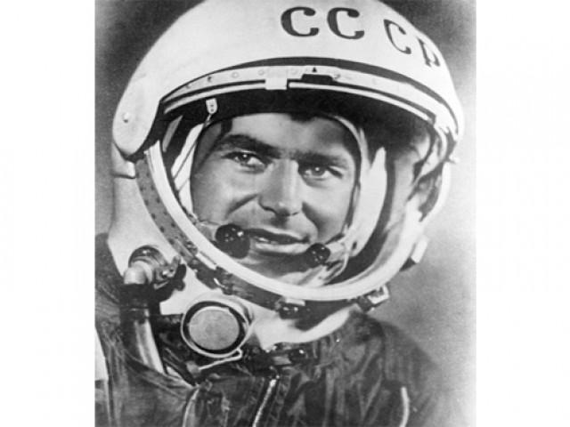 Серебряный космонавт планеты
