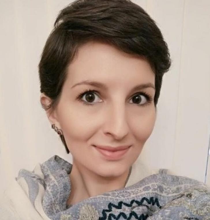 Русская девушка 9 лет живет в Индии и пытается привыкнуть к местным традициям