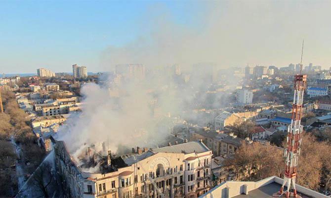 Пожар в Одессе унёс жизни трёх человек, поиски ещё 12-ти продолжаются