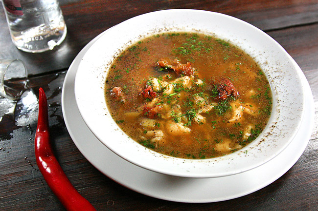 Суп моего детства - с клёцками, на красном бульоне