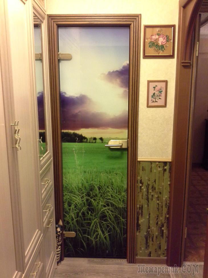 декор входной двери в пятиэтажке