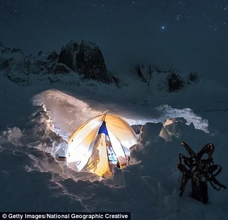 А в канадском парке Тумстон - под открытым небом кемпинг, мир, опасность, отдых, палатка, путешествие, турист, экстрим
