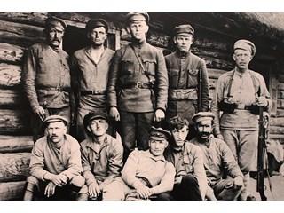 Зачем латышские стрелки спасли советскую власть