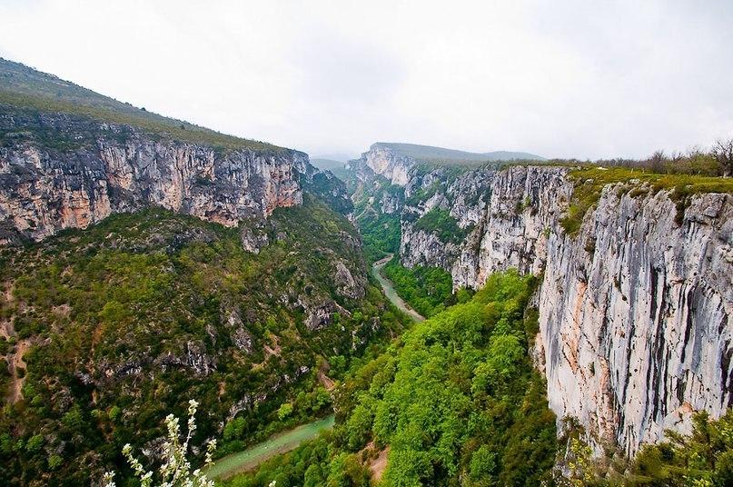 Большой каньон Вердон во Франции