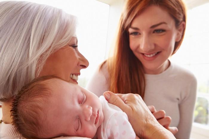 Без бабушек мы бы не жили так долго, а человеческий вид не был столь многочисленным.