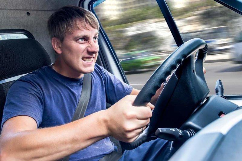 2019 год для водителей: рост налогов, везде камеры и платные парковки