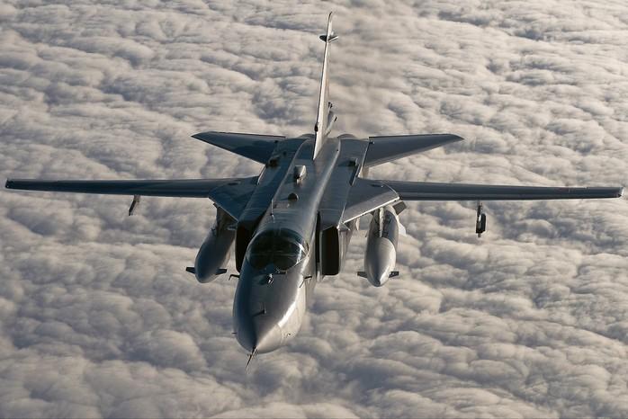 Фронтовой бомбардировщик Су-24 «Умная сила»