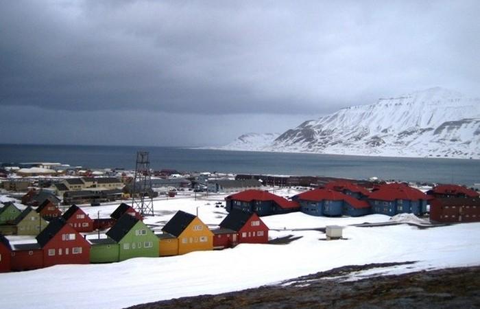 Уникальное расположение и удаленность Шпицбергена позволяют наблюдать Северное сияние.