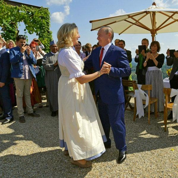 «Одним визитом Путин влюбил …