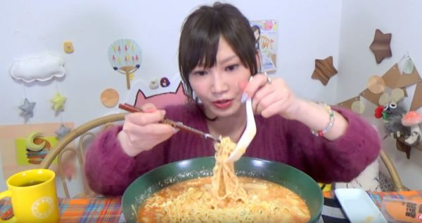 Бабушкина радость. Вам никогда не съесть столько, сколько может эта худенькая японская блогерша!