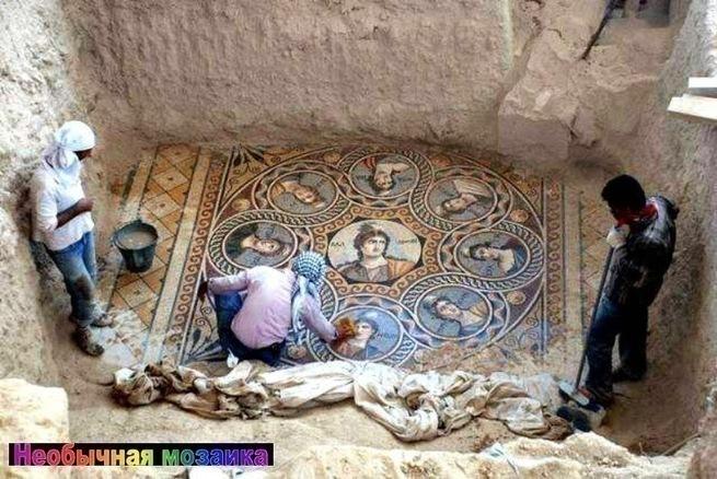 Раскопали фрески древнего Рима,и обнаружили надписи на Русском