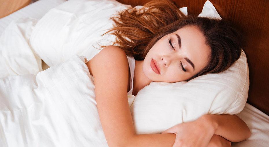 Бок, живот, спина: выбираем правильную подушку по позе, в которой вы спите