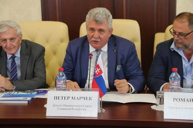 Словацкий депутат обвинил посла Украины во вранье после визита в Крым