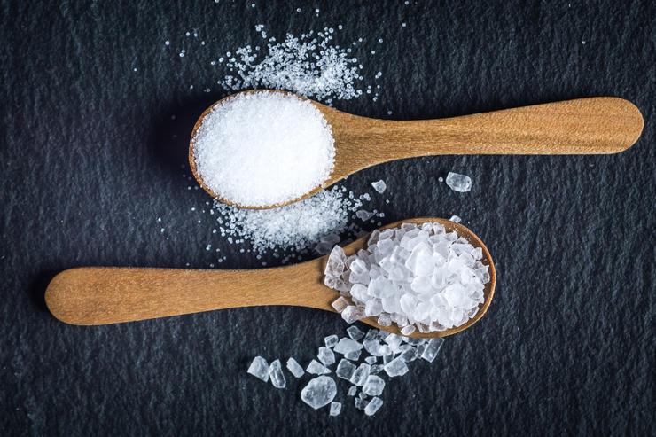 Чем можно заменить соль: 7 полезных вариантов