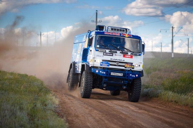 Экипаж россиянина Мардеева стал первым в 12-м этапе ралли «Шелковый путь»