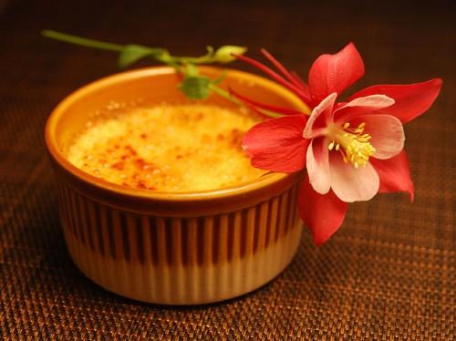 Крем-брюле: как приготовить знаменитый десерт дома?