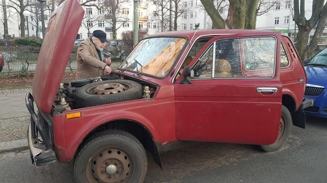Немецкий дедушка на «Ниве» ездит на дачу