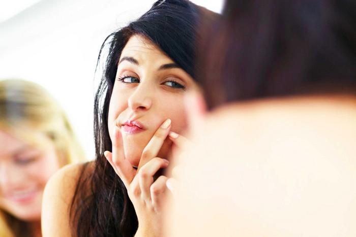 8 вредных привычек, которые забивают поры и портят вашу кожу