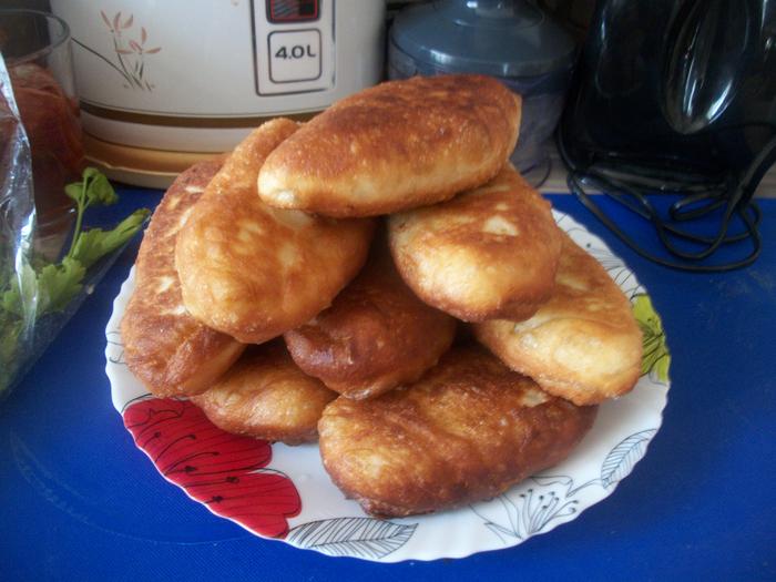 булки, пирог  штрудель пирожки жареные 045 (700x525, 476Kb)