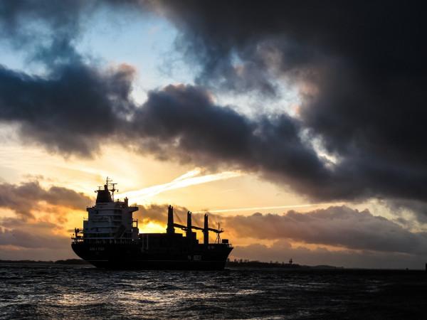 На Украине арестован танкер,…