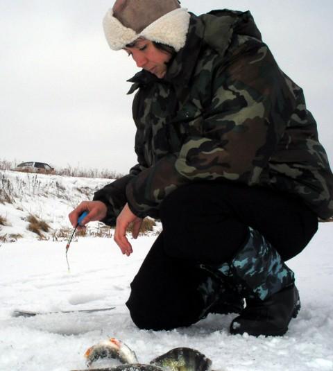 12. Женщина рыболов