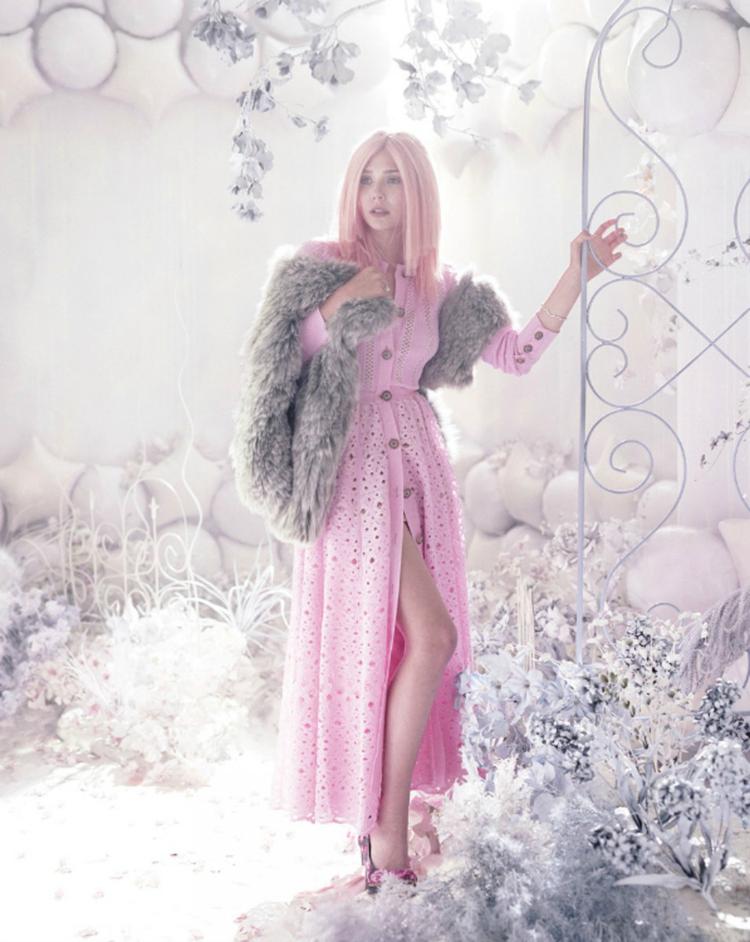 Элизабет Олсен в фотосессии Эллен фон Унверт для журнала Vs. (весна-лето 2012)