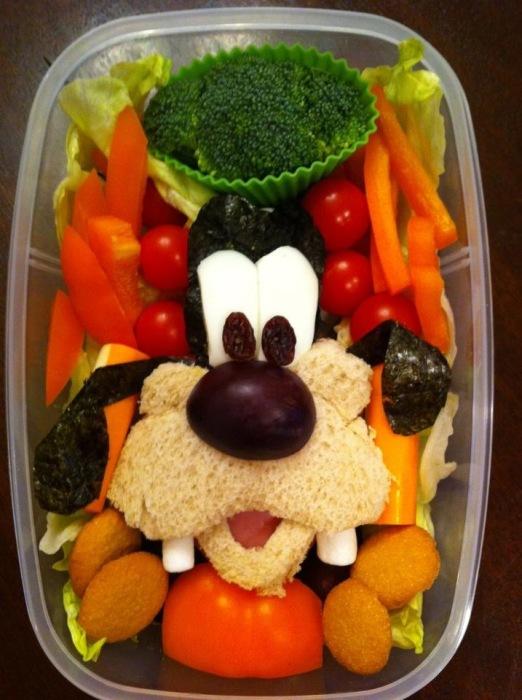 Овощной завтрак с изображением Гуфи.