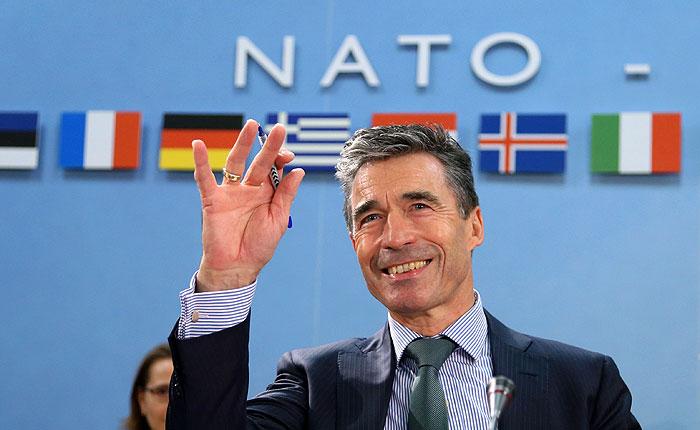 НАТО приостанавливает практическое сотрудничество с Россией