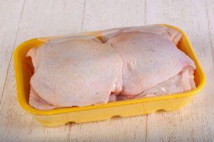 Кишат бактериями. Можно ли есть бёдрышки цыплят-бройлеров?