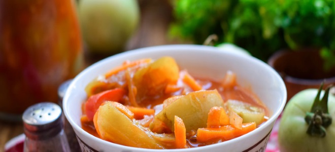 салат из зеленых помидор с томатной пастой